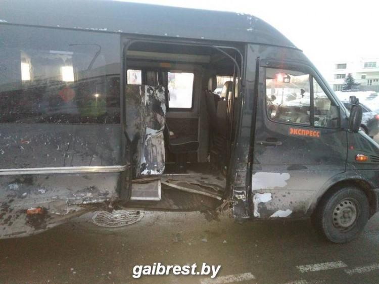 ГАИ просит откликнуться очевидцев ДТП с маршруткой в Бресте
